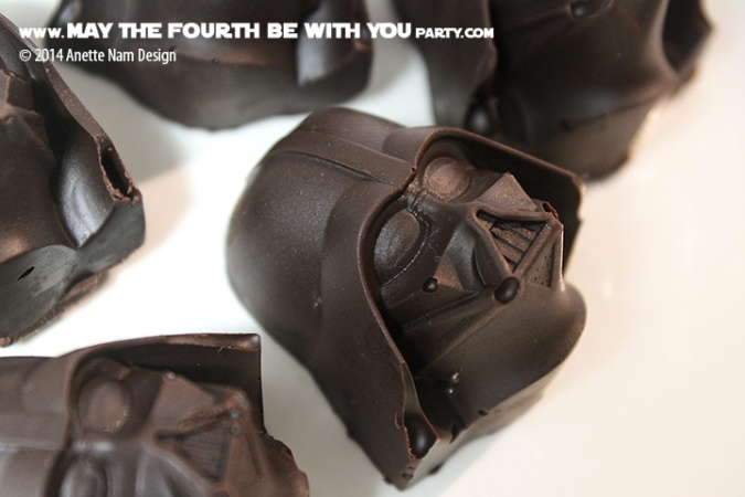 Star Wars Food: Darth Vader Chocolates with Maraschino Cherries For Valentines Day /// Check out our blog for lots of Star Wars Party food recipes and downloadable labels! Great for a Birthday Party or a May the Fourth be with you Party. /// #starwars #starwarsparty #theforceawakens #maythefourthbewithyou #starwarsbirthday #starwarsfood #darthvader #foodart #valentinesday #chocolate #cherries #siliconemold // maythefourthbewithyoupartyblog.com
