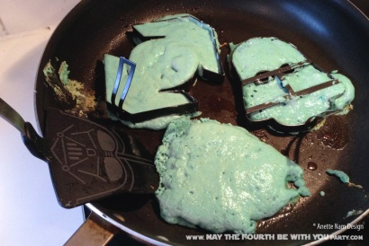 Star Wars Food: Bantha Milk Pancakes (TIE-Fighter, Darth Vader, X-Wing, Millennium Falcon, and Yoda Shaped) /// Check out our blog for lots of Star Wars Party food recipes and downloadable labels! Great for a Birthday Party or a May the Fourth be with you Party. /// #starwars #starwarsparty #maythefourthbewithyou #starwarsbirthday #starwarsfood #pancakes #banthamilk #tieighter, #darthvader #xwing #millenniumfalcon #yoda maythefourthbewithyoupartyblog.com