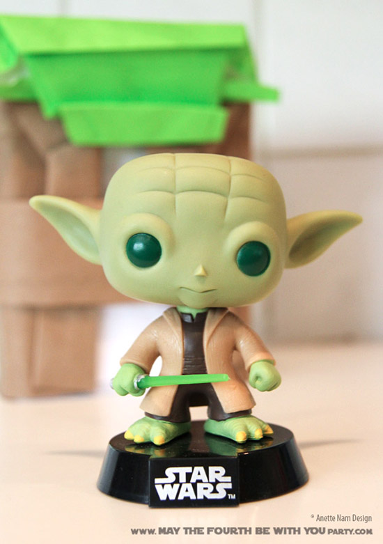 Yoda Wrapping and Paper Crafts (with Bobblehead) /// Check out our blog for lots of Star Wars Party crafts and ideas /// #starwars #starwarsparty #maythefourthbewithyou #starwarsbirthday #yoda #papercraft maythefourthbewithyoupartyblog.com