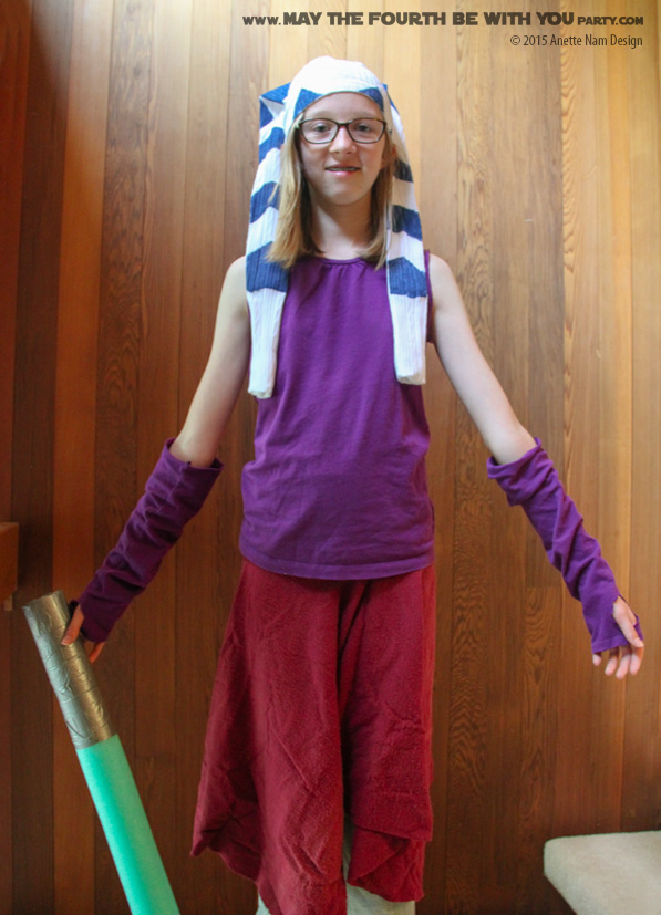 DIY Ahsoka Costume. Check out all our other Star Wars costumes on our blog! #ahsoka #starwars #starwarsparty #maythefourthbewithyou #starwarsbirthday #starwarscostume #halloweencostume #cosplay maythefourthbewithyoupartyblog.com