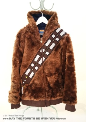 Reversible Chewbacca/Hoth Han Solo Jacket. Check out all our other Star Wars costumes on our blog! #starwars #starwarsparty #maythefourthbewithyou #starwarsbirthday #starwarscostume #halloweencostume #chewbacca #wookiee #hansolo #hoth #cosplay maythefourthbewithyoupartyblog.com