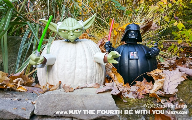 Yoda and Darth Vader Pumpkins push-ins. Check out our blog for lots more Star Wars crafts and decor. maythefourthbewithyoupartyblog.com #starwars #starwarsparty #maythefourthbewithyou #starwarsbirthday #yoda #darthvader #hallloween #pumpkin