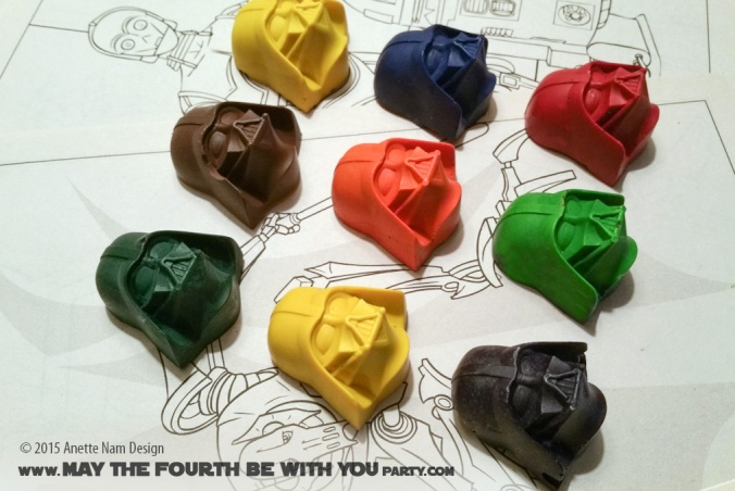 DIY Darth Vader Crayons (from Silicone Mold) /// Check out our blog for lots of Star Wars Party crafts and ideas /// #starwars #starwarsparty #maythefourthbewithyou #starwarsbirthday #crayon #partyfavor #darthvader maythefourthbewithyoupartyblog.com