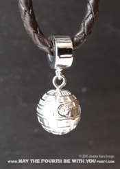 Star Wars Charm Bracelet and Jewelry/// Check out our blog for lots of Star Wars gift ideas /// #starwars #starwarsgift #maythefourthbewithyou #starwarsbirthday #jewelry #christmaspresent #starwarsjewelry #deathstar #silver #stainlesssteel #charm #charmbracelet maythefourthbewithyoupartyblog.com