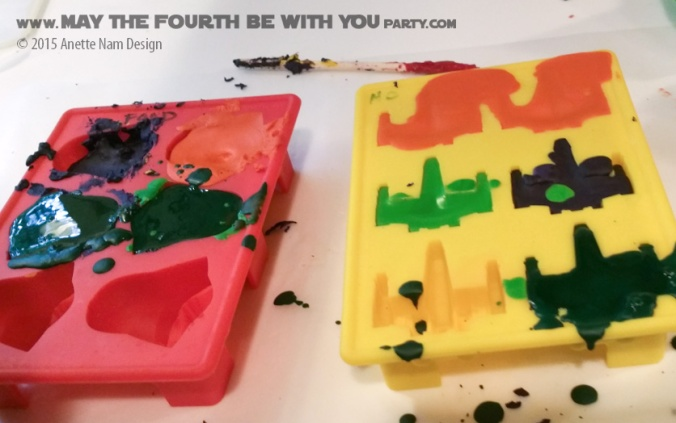 DIY Star Wars Crayons (from Silicone Mold) /// Check out our blog for lots of Star Wars Party crafts and ideas /// #starwars #starwarsparty #maythefourthbewithyou #starwarsbirthday #crayon #partyfavor #darthvader #xwing maythefourthbewithyoupartyblog.com
