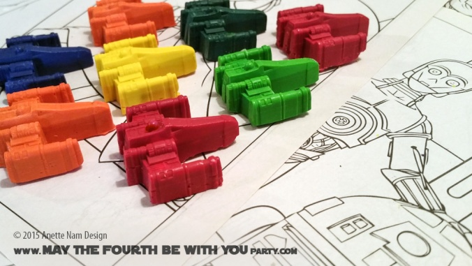 DIY X-Wing Crayons (from Silicone Mold) /// Check out our blog for lots of Star Wars Party crafts and ideas /// #starwars #starwarsparty #maythefourthbewithyou #starwarsbirthday #crayon #partyfavor #xwing maythefourthbewithyoupartyblog.com