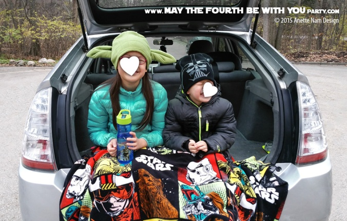 Star Wars Family Tailgating for The Force Awakens. /// Check out our blog for lots of Star Wars Food ideas /// #starwars # #maythefourthbewithyou #starwarsfood #tailgating #theforceawakens maythefourthbewithyoupartyblog.com