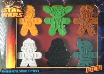 Star Wars Sugar Cookies /// Check out our blog for lots of Star Wars Party food recipes and downloadable labels! Great ideas for a Birthday Party or a May the Fourth be with you Party. /// #starwars #starwarsparty #stormtrooper #bobafett #maythefourthbewithyou #starwarsbirthday #starwarsfood #sugarcookies #foodart #cookies #recipe #cookiecutter #chewbacca #chewie #c3po #darthvader #yoda #deathstar // maythefourthbewithyoupartyblog.com