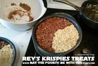 Star Wars Food: Rey's Krispies Treats // Check out our blog for lots of Star Wars Party food recipes and downloadable labels! Great for a Birthday Party or a May the Fourth be with you Party // #starwars #starwarsparty #theforceawakens #maythefourthbewithyou #starwarsbirthday #starwarsfood #ricekrispiestreats #ricekrispies #ricecrispytreats #chocolate #rey #puns #geek #nerd #daisyridley // maythefourthbewithyoupartyblog.com