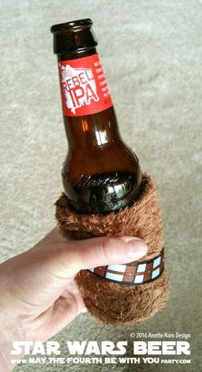 Star Wars Food: Rebel Beer /// Check out our blog for lots of Star Wars Party food recipes and downloadable labels! Great for a Birthday Party or a May the Fourth be with you Party. /// #starwars #starwarsparty #theforceawakens #rogueone #rebels #rebel #maythefourthbewithyou #starwarsbirthday #starwarsfood #beer #rebelIPA #spacerock #notyourfathersrootbeer #samueladams #chewbacca #wookiee #chewie #millenniumfalcon // maythefourthbewithyoupartyblog.com