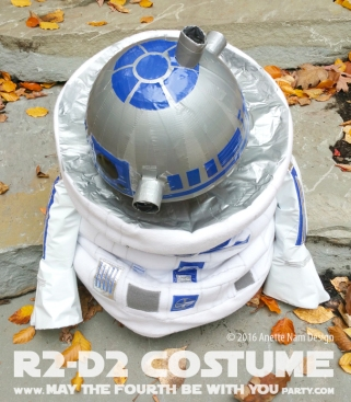 R2-D2 Costume and Cosplay / Check out lots more Star Wars Halloween costumes and cosplay ideas on our blog / #starwars #halloween #maythefourthbewithyou #maythe4thbewithyou #costume #ducttape #cosplay #diy #pattern #sewing #theforceawakens #r2d2 #droid #geek #nerd #fleece / maythefourthbewithyoupartyblog.com
