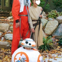 HAPPY HALLOWEEN! (DIY Rey, BB-8 and Poe Costumes)
