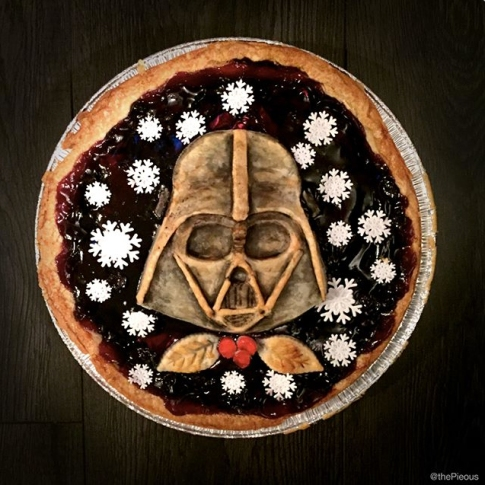 Star Wars Food: Darth Vader Pie // Check out our blog for lots of Star Wars Party food recipes and downloadable labels! Great for a Birthday Party or a May the Fourth be with you Party. // #christmas #starwars #star #wars #starwarsparty #theforceawakens #maythefourthbewithyou #starwarsbirthday #starwarsfood #recipe #pie #darth #vader #darthvader // maythefourthbewithyoupartyblog.com
