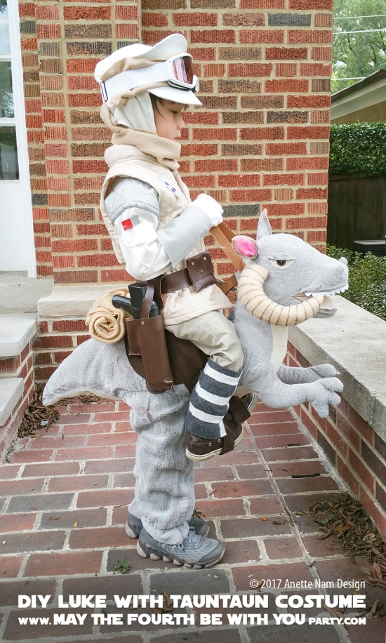 Hoth Luke, tauntaun, Costumes and Cosplay / Check out lots more Star Wars Halloween costumes and cosplay ideas on our blog / #starwars #halloween #maythefourthbewithyou #maythe4thbewithyou #costume #cosplay #diy #pattern #sewing #luke #skywalker #hoth #tauntaun #geek #nerd #theempirestrikesback/ maythefourthbewithyoupartyblog.com