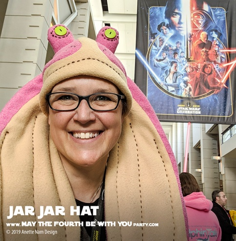DIY Star Wars Jar Jar Binks Hat /// We add new Star Wars crafts to our blog every week! /// #starwars #phantommenace #jarjar #jarjarbinks #fleece #hat #swcc #starwarscelebration /// maythefourthbewithyoupartyblog.com